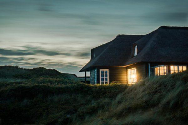 בניית בית בנחלה לבן ממשיך